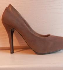 Nove kožne cipele na petu br.37