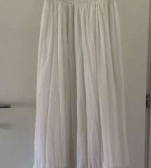 Duga bijela haljina