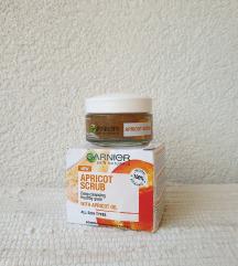 GARNIER - apricot scrub