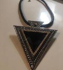 Lančić trokut