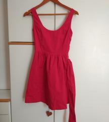 Poklanjam crvenu haljinu