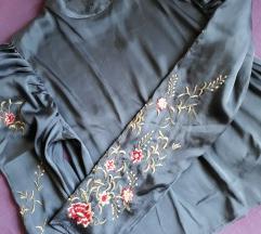 H&M plava bluza s vezenim detaljima- SNIŽENA