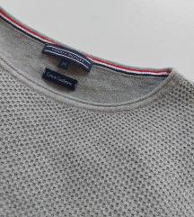 **REZERVIRANO**Tommy Hilfiger pulover