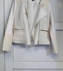 H&M lijepa bijela strukirana jakna M