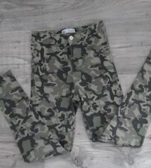 Maskirne hlače Zara vel 152