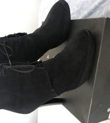 Sisley crne poluvisoke čizme