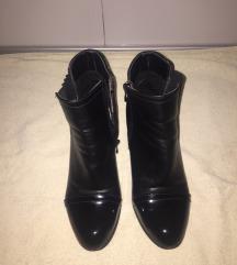 gležnjače/kratke čizme crne
