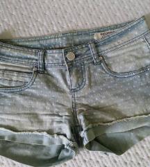 ljetne kratke jeans traper hlače na točkice