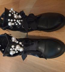 Čizme s biserima 41