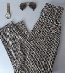 Bershka hlače visoki struk