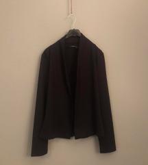Crni blazer sako kroja
