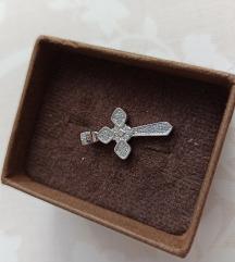 Novi privjesak srebrni križ