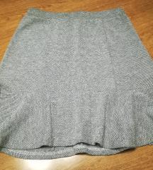 Špricano siva toplija suknja