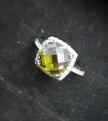 SNIŽŽSrebrni prsten sa peridotom