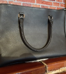 Crna nova obicna torba