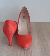 Cipele na petu koraljne boje