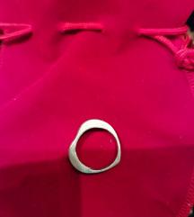 Prsten u obliku srca - 50 kn
