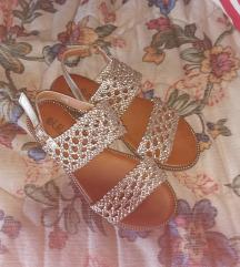 Mass zlatne sandale vel 37