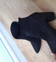 Stradivarius crne čizme 🥰