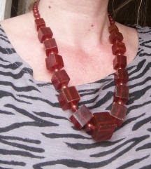 Stara ogrlica od ambroš jantara