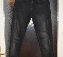 Esmara skinny fit crne hlače