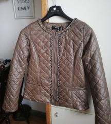 Maslinasta jaknica s detaljima