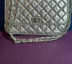 Prodajem srebrnu torbicu