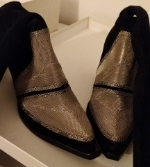 kožne čizme kaubojke iznad koljena