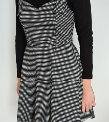 Zimska karirana haljina na tregere