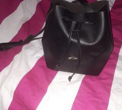 Vrećasta crna torba