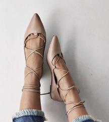 Laceup balerinke