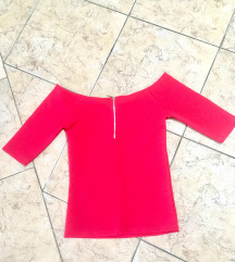 Bershka top  majica predivna boja