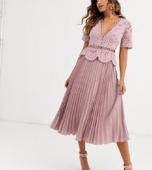 Plisirana haljina s čipkom NOVO