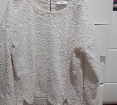 bijeli pulover sa sljokicama%%