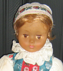 lutka u nošnji 33 cm