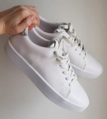 Zara 41 bijele tenisice