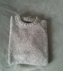Univerzalan novi Zara bež pulover  40-42