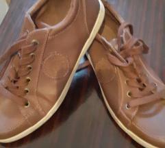 Tene ,cipele broj 40
