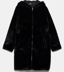 Zara krzneni kaput s kapuljačom