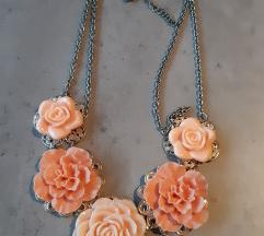 Accessorize cvjetna ogrlica
