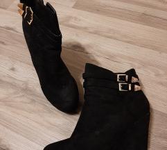 Jednom nosene cizme