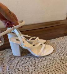 Bijele sandale 36