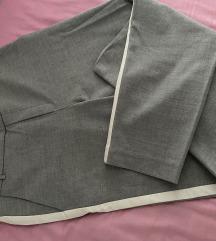 Zara sive hlače sa bijelom crtom