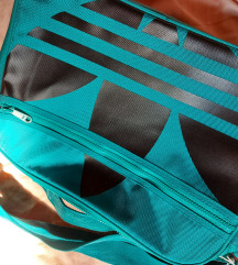 Adidas torba s etiketom!