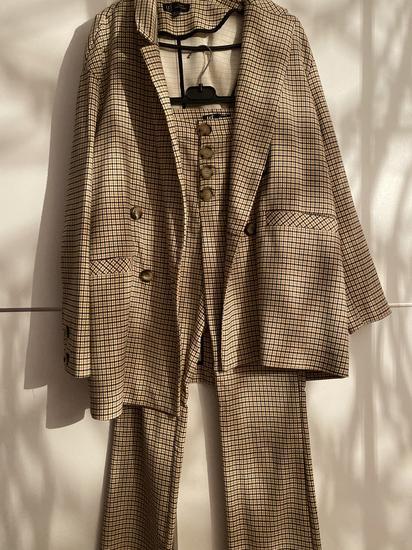 Zara odijelo. Hlace M, Sako S