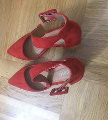 Crvene cipele 38 nove choe box