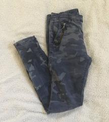 Zara camo hlače%50kn%