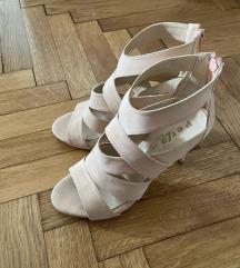 Sandale na petu roze