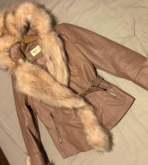Podstavljena zimska jakna