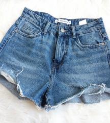 Kratke hlačice 34